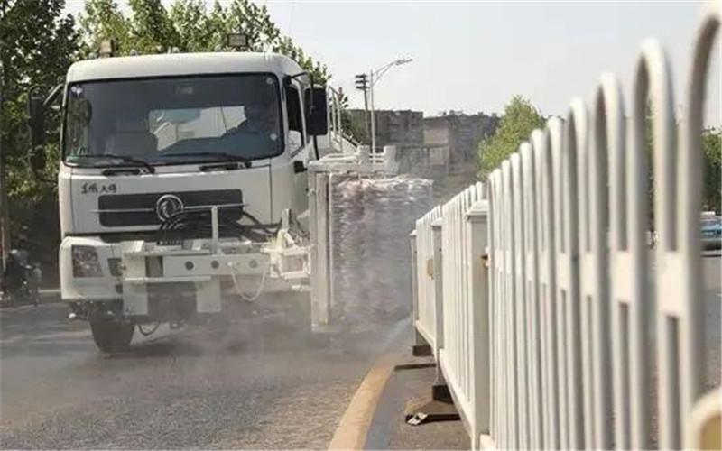 太好用了!智能全自动高速公路护栏清洗车 四季可用图片