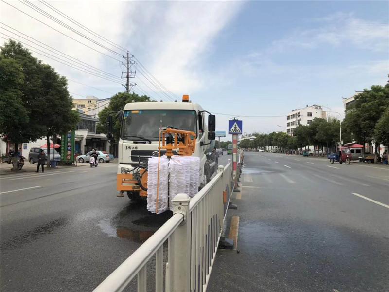 城市护栏清洗车视频
