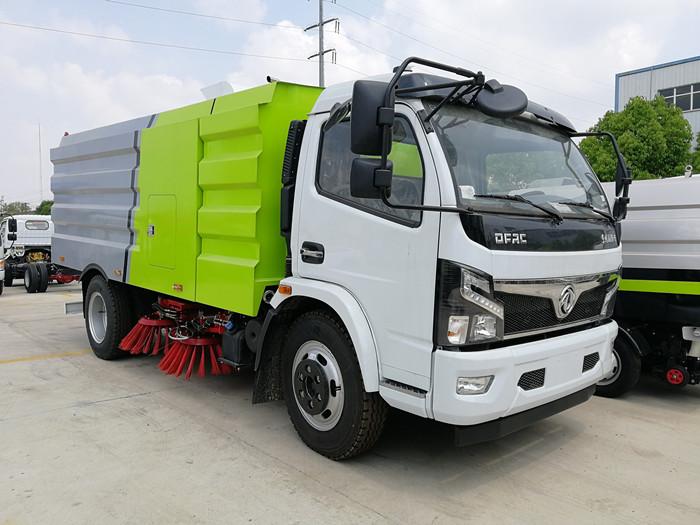 国六东风多利卡7.5方扫路车