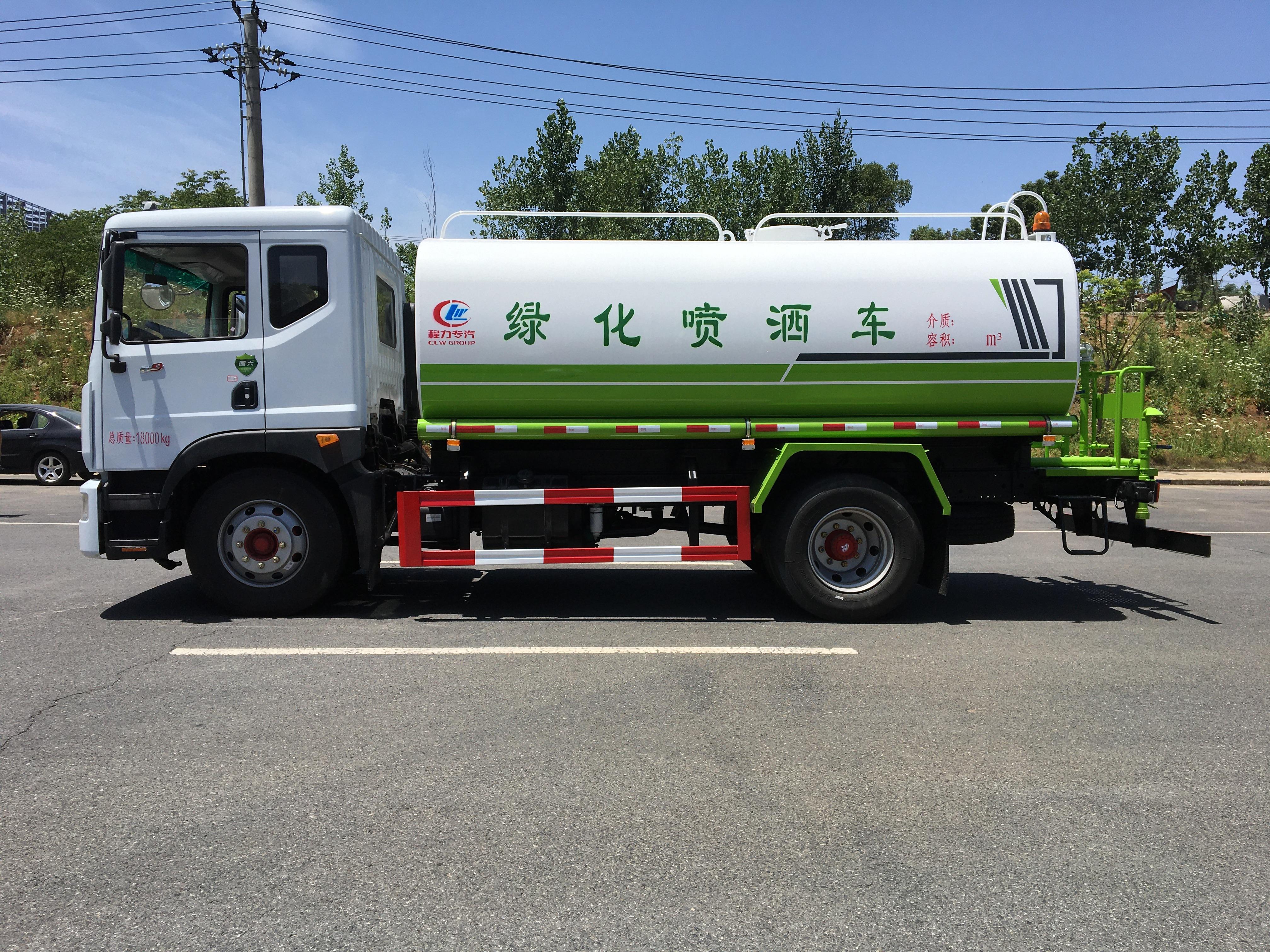 國六灑水車多少錢  灑水車配置 D9灑水車廠家圖片