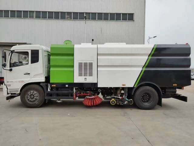 国六东风洗扫车视频