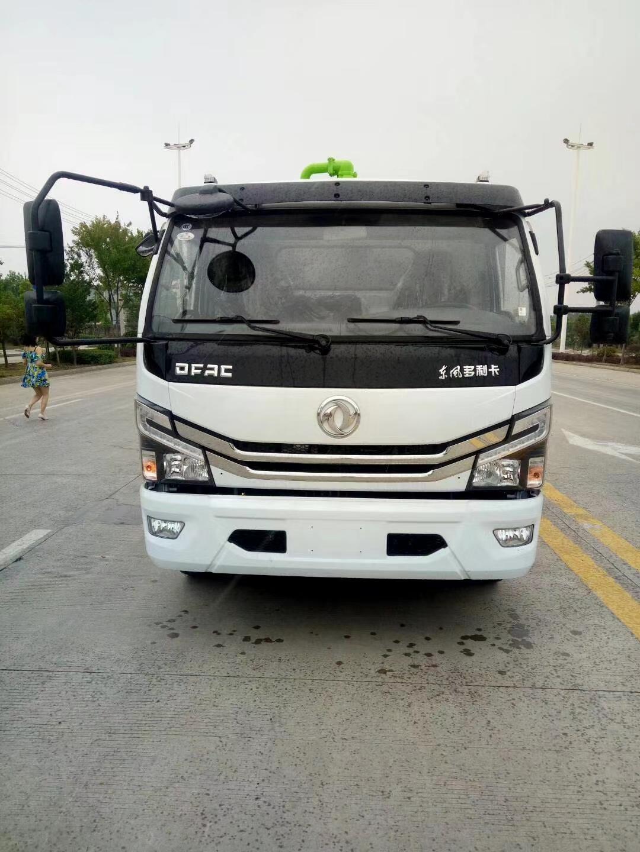 东风D7多利卡8吨清洗吸污车图片