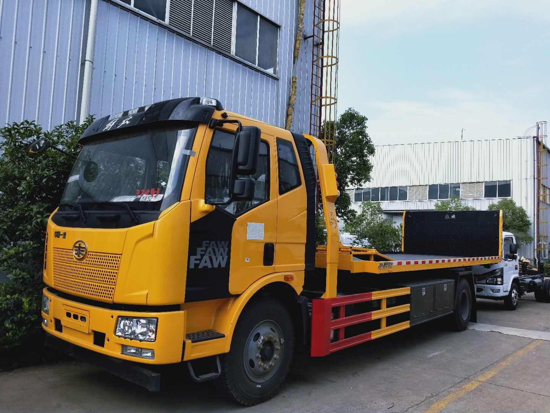 10吨一拖二解放大平板拖车道依茨240马力