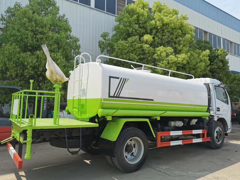 国六9.2吨洒水车图片