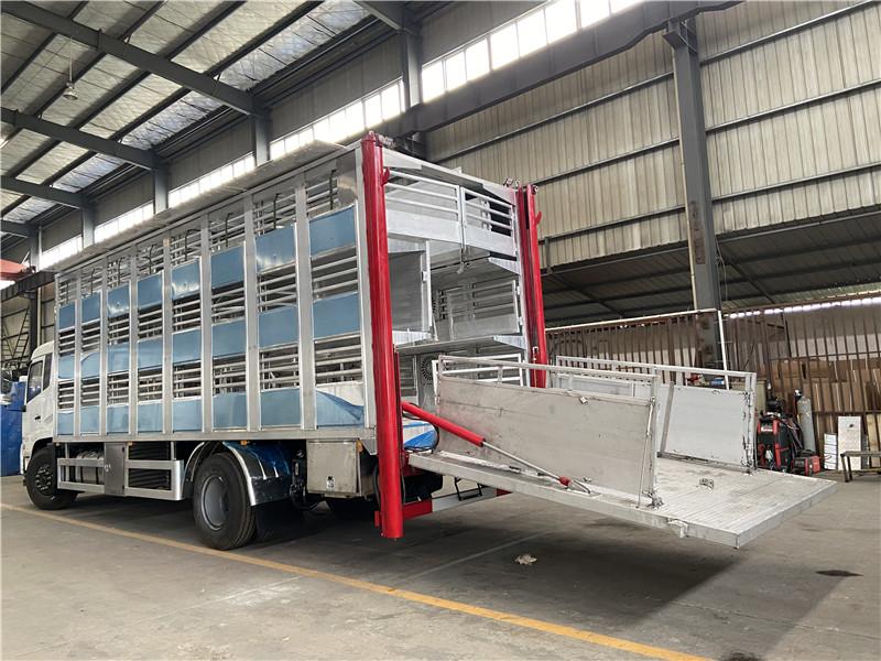 铝合金运猪车 拉猪车多少钱 铝合金运猪车报价 种猪运输车厂家(图4)