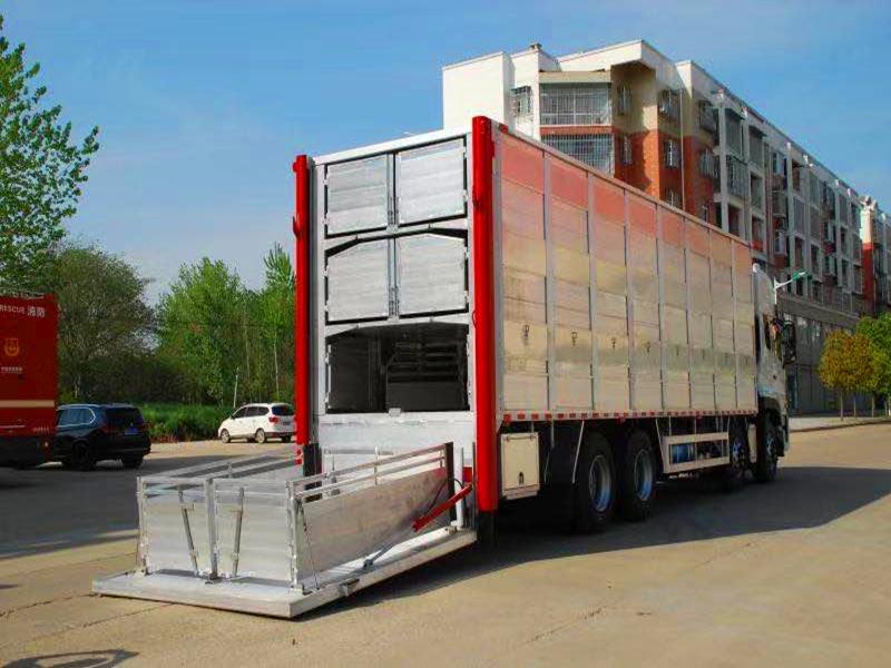 铝合金运猪车 拉猪车多少钱 铝合金运猪车报价 种猪运输车厂家(图6)