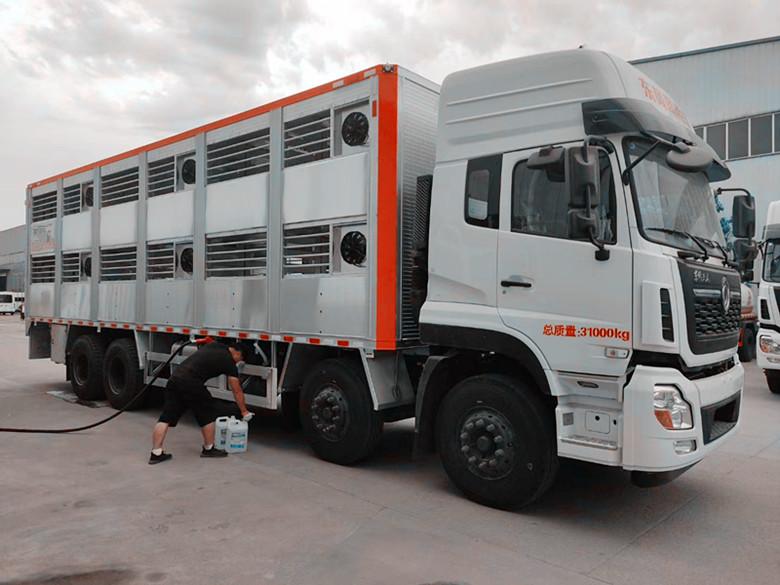 新型恒温三层全铝合金运猪车畜禽运输车小猪仔图片