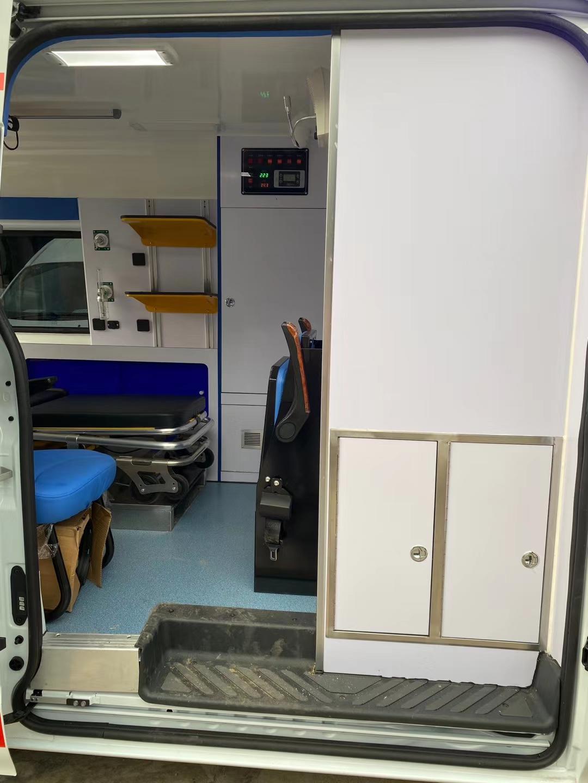 V348转运型救护车图片