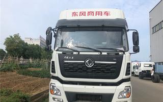 东风天锦单桥拉猪车皱禽专用运输车