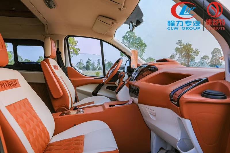 福特新全順B型旅居車圖片