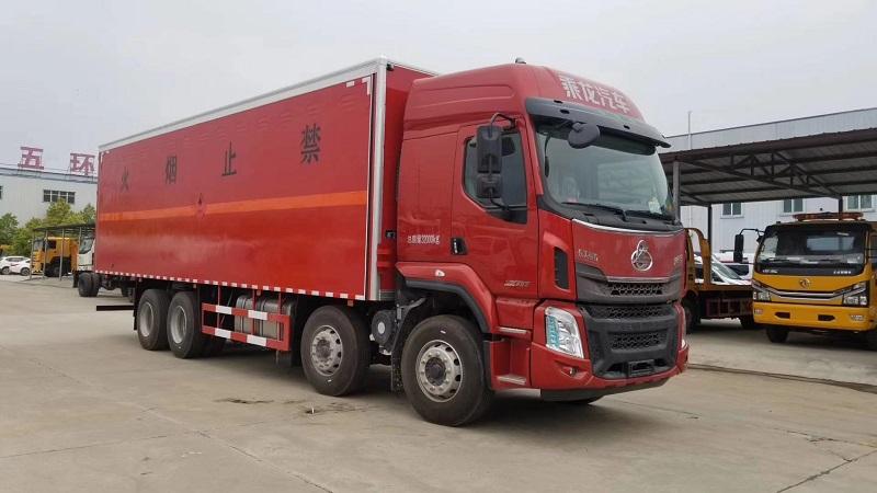 东风柳汽四轴9.4米杂项危险物品厢式运输车厂家直销视频视频