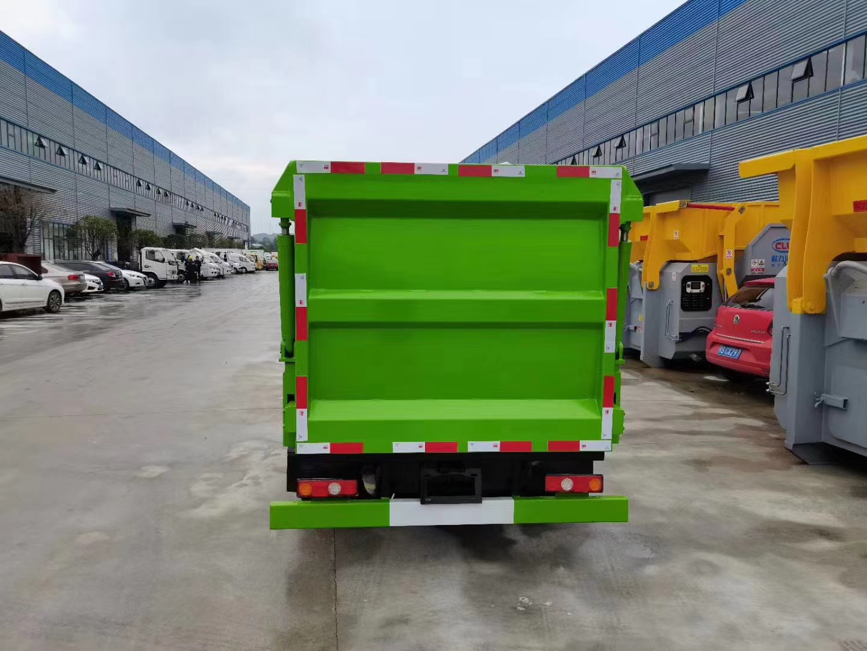 凯马蓝牌自装卸式垃圾车图片