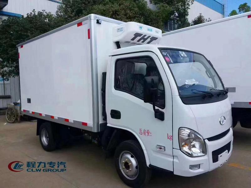 国六跃进小福星S70不超重3米26小型肉钩冷藏车厂家