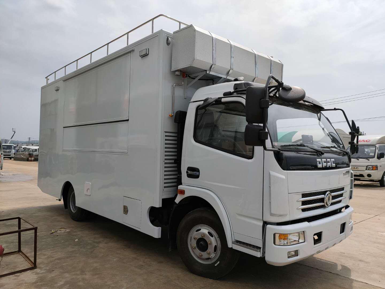 东风大多利卡150人-300人自行式炊事车餐车