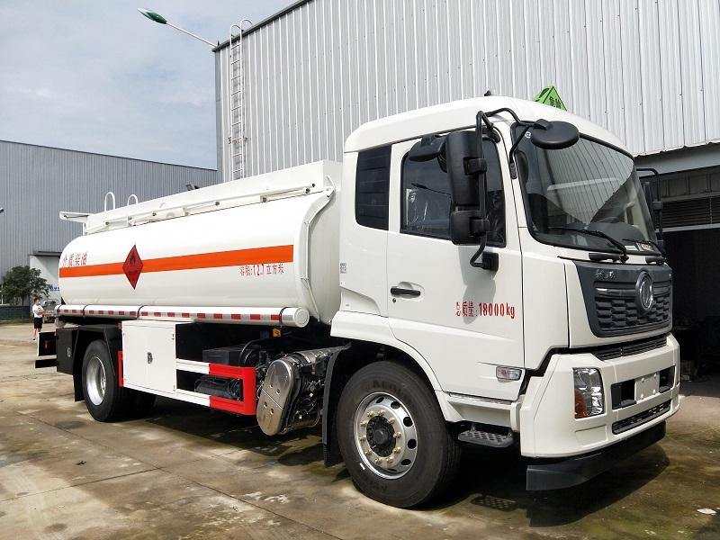 新款国六东风天锦单桥12吨油罐车厂家 标载10吨加油车价格图片