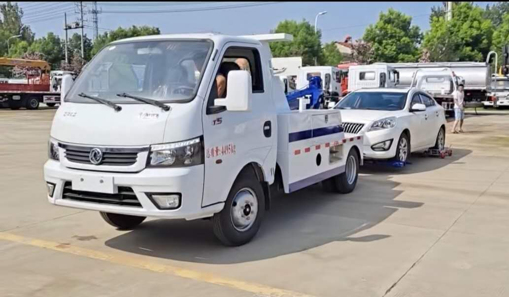 3吨东风一拖一道路救援清障车厂家拖车操作视频