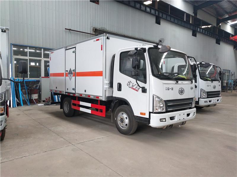 解放虎V 7吨氧厢式运输车5米2易燃气体厢式车视频视频