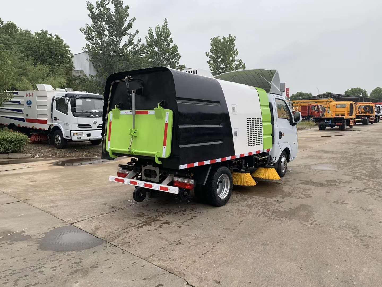 国六蓝牌扫路车长安小扫地车生产厂家清扫路面视频图片