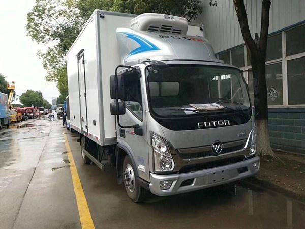 新款福田奥铃CTS4.2米冷藏车图片