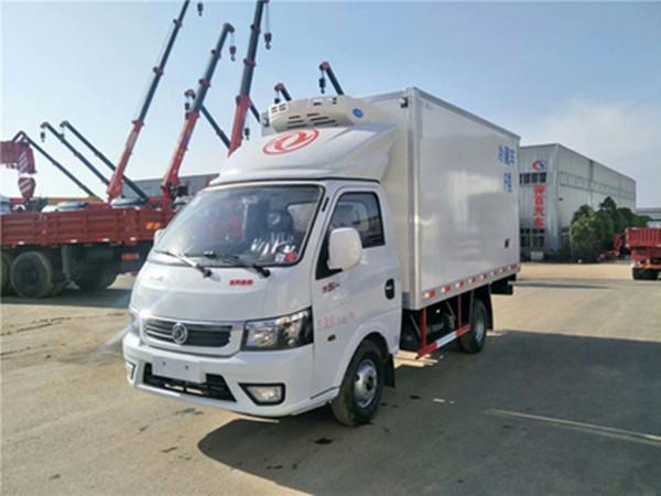 国六东风途逸3.5米冷藏车