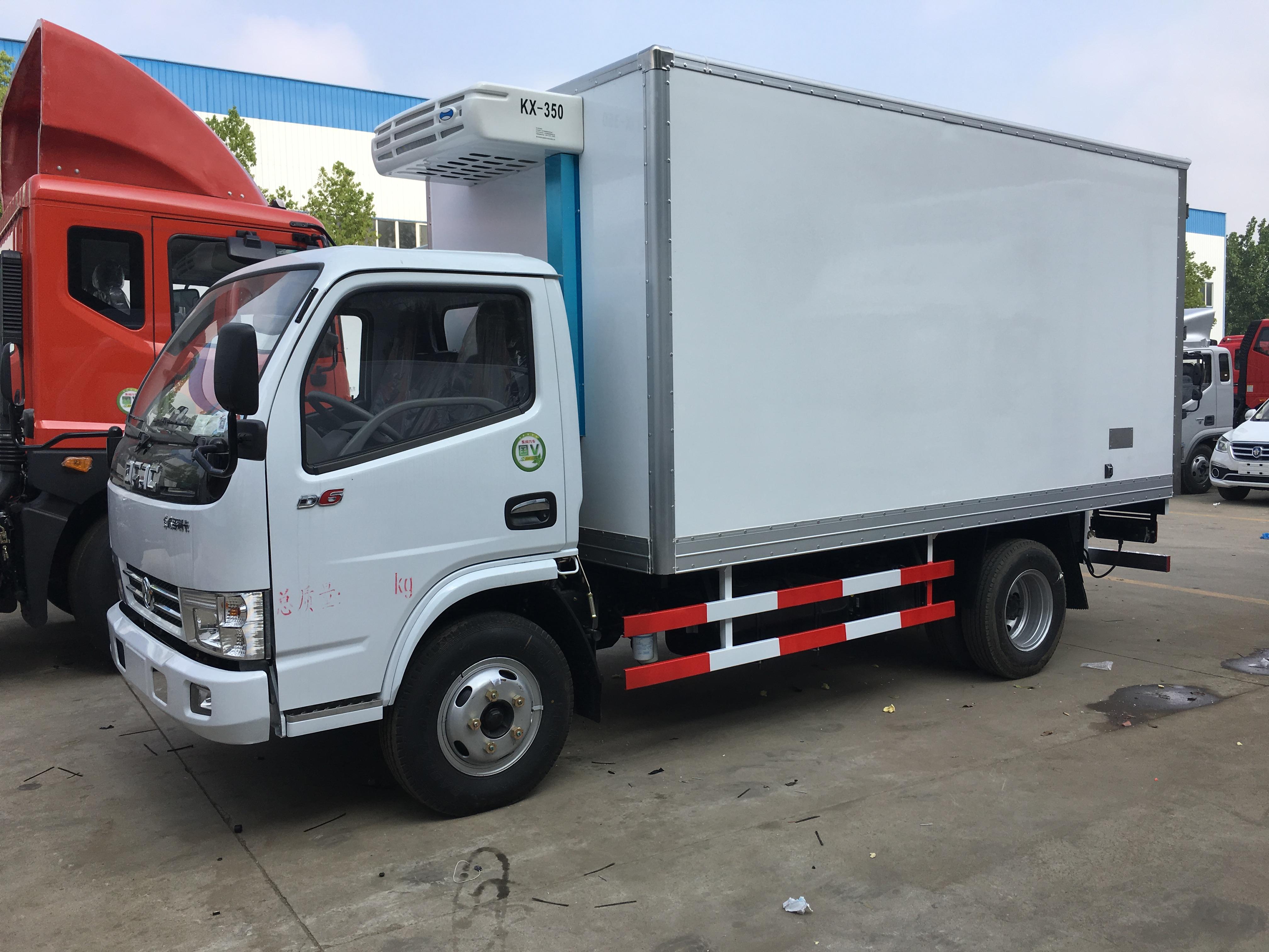 国六东风多利卡5.2米冷藏车图片