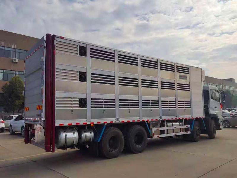 9米6拉猪车 铝合金畜禽运输车多少钱