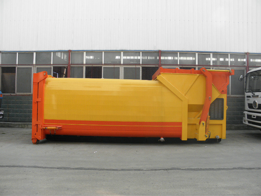 豪沃前四后八勾臂垃圾车配备移动压缩垃圾箱图片