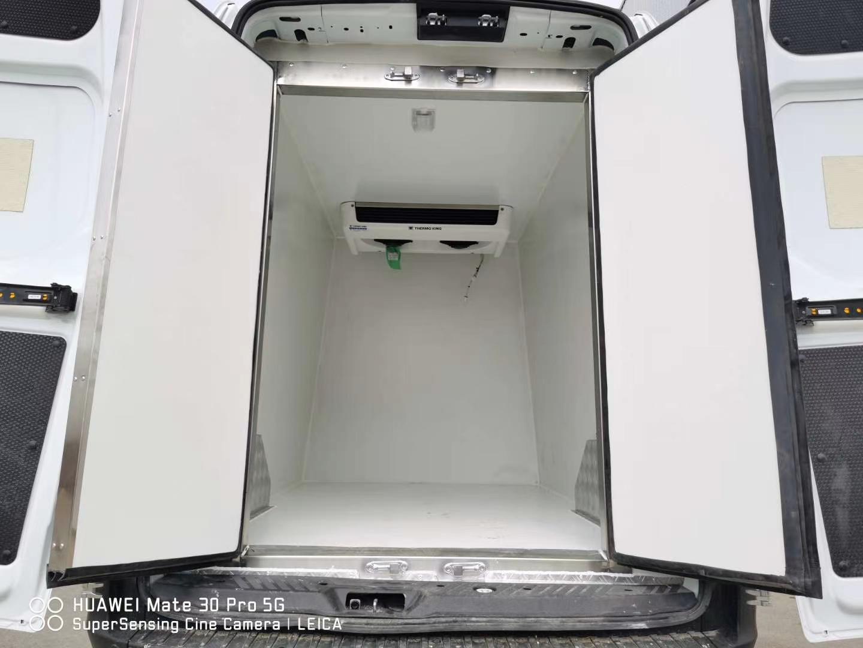 福特新全顺Ⅴ362国六柴油冷藏车图片