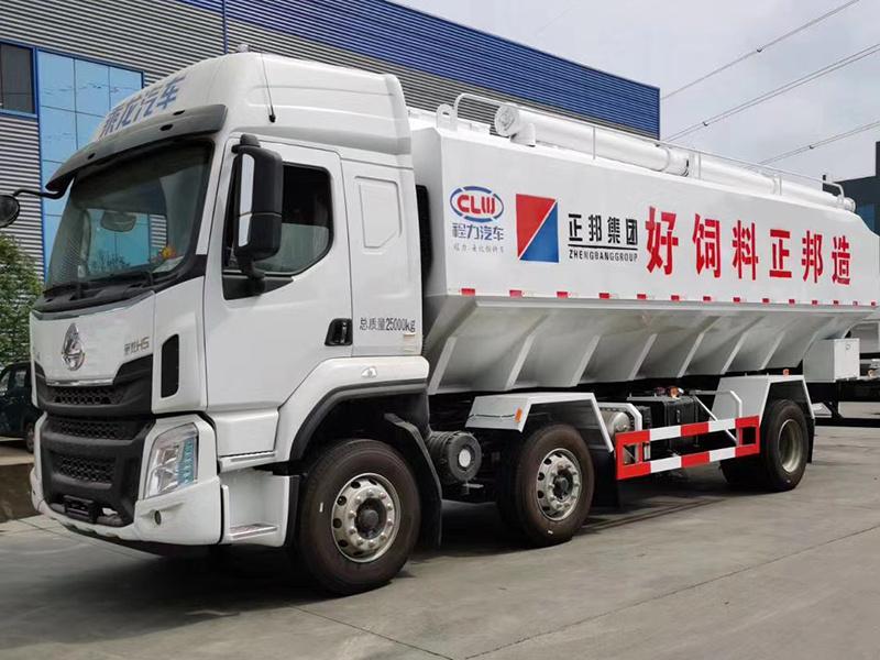 国六柳汽15吨小三轴散装饲料车价格
