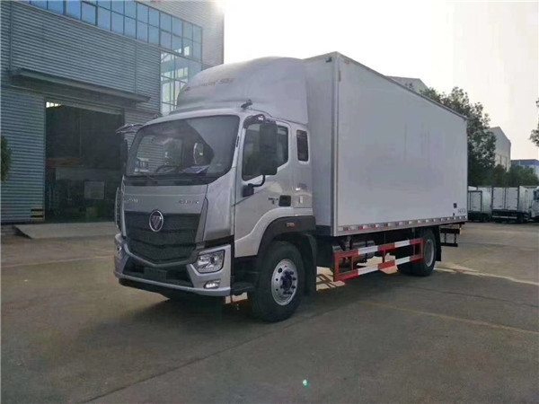 新款福田欧马可7.6米冷藏车