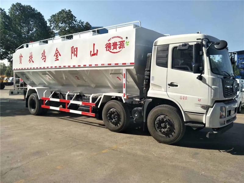 东风天锦小三轴15吨饲料车