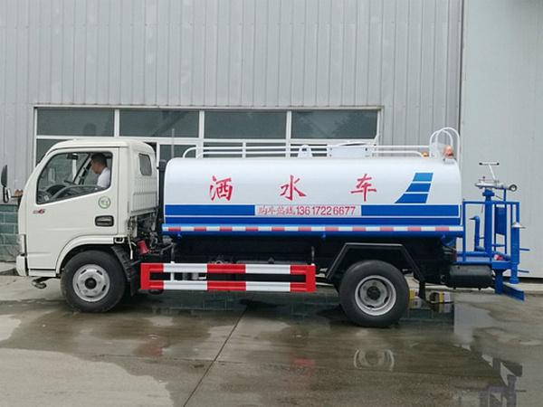 东风福瑞卡(5吨)绿化喷洒车