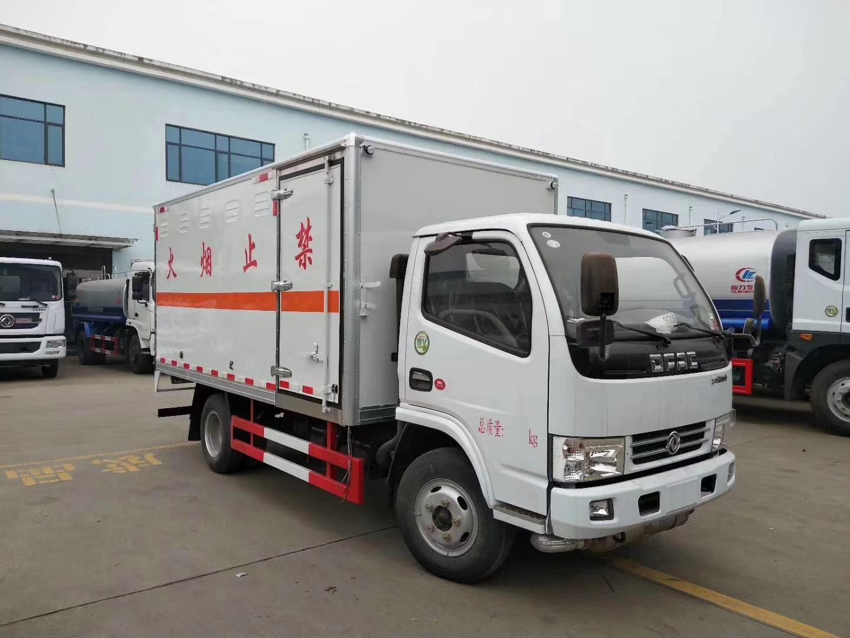 東風多利卡4.1米危險品廂式運輸車圖片