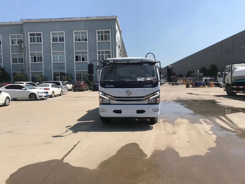 东风天然气多利卡6方压缩垃圾车图片