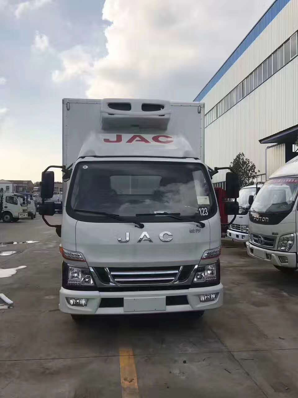 江淮骏铃V5冷藏车视频 搭载康机2.8L新品上市图片