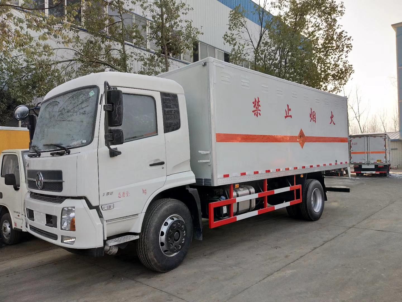 东风天锦爆破器材运输车(6.2/6.8米)