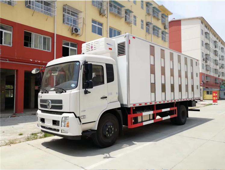 爆款7.4米天錦運豬車廠家直銷圖片