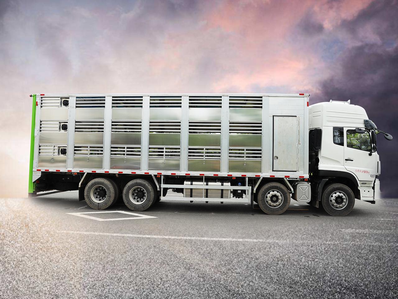 运猪车/畜禽运输车