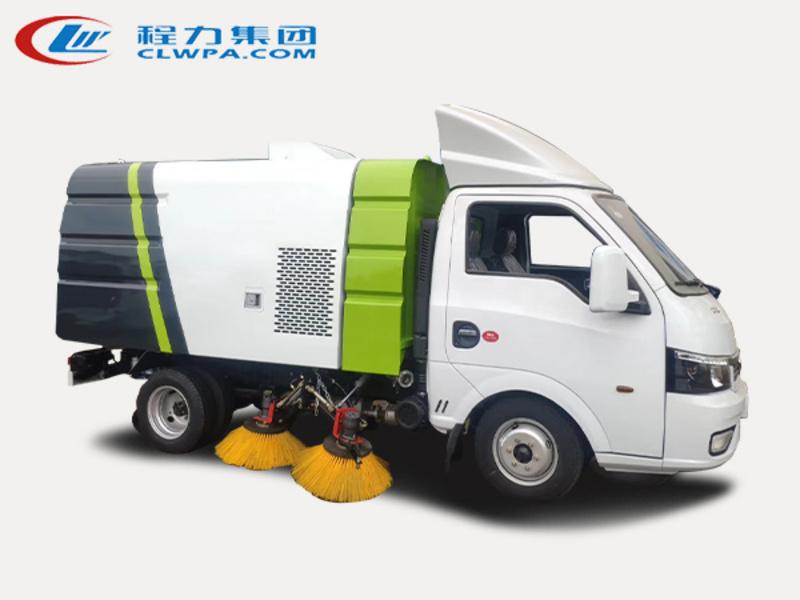 小型扫路车