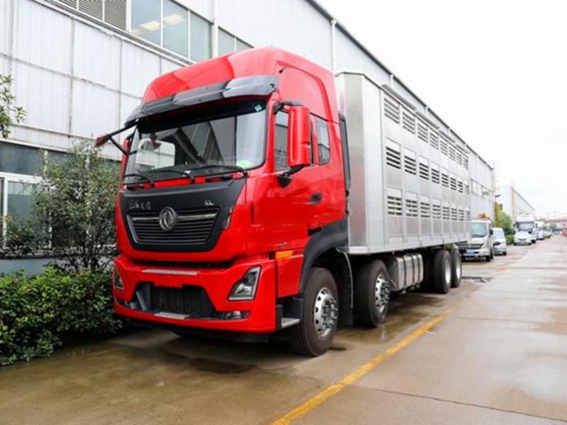 优质运猪车——东风天龙KL前四后八国六畜禽运输车