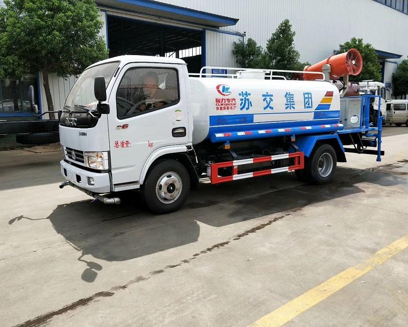 东风5吨洒水车配30米雾炮现车新鲜出炉,赶快订购哦!图片