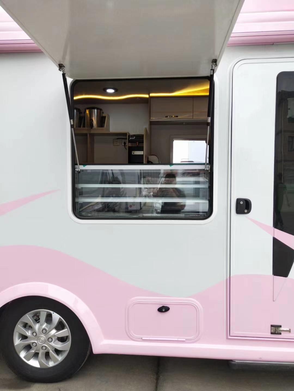 大通C型冰淇淋房车下线了图片