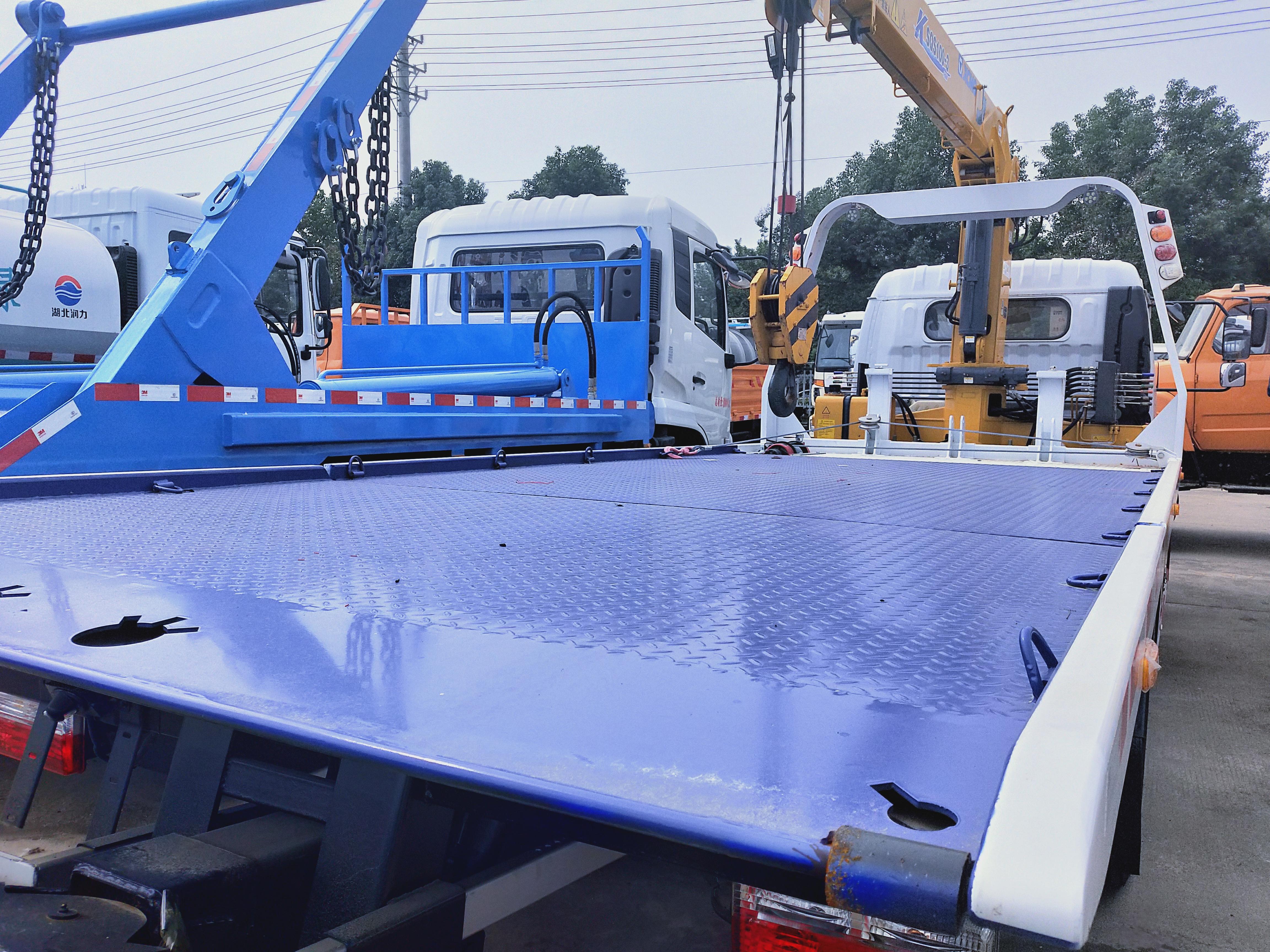 4吨东风多利卡带4吨吊机救援拖车清障车图片图片