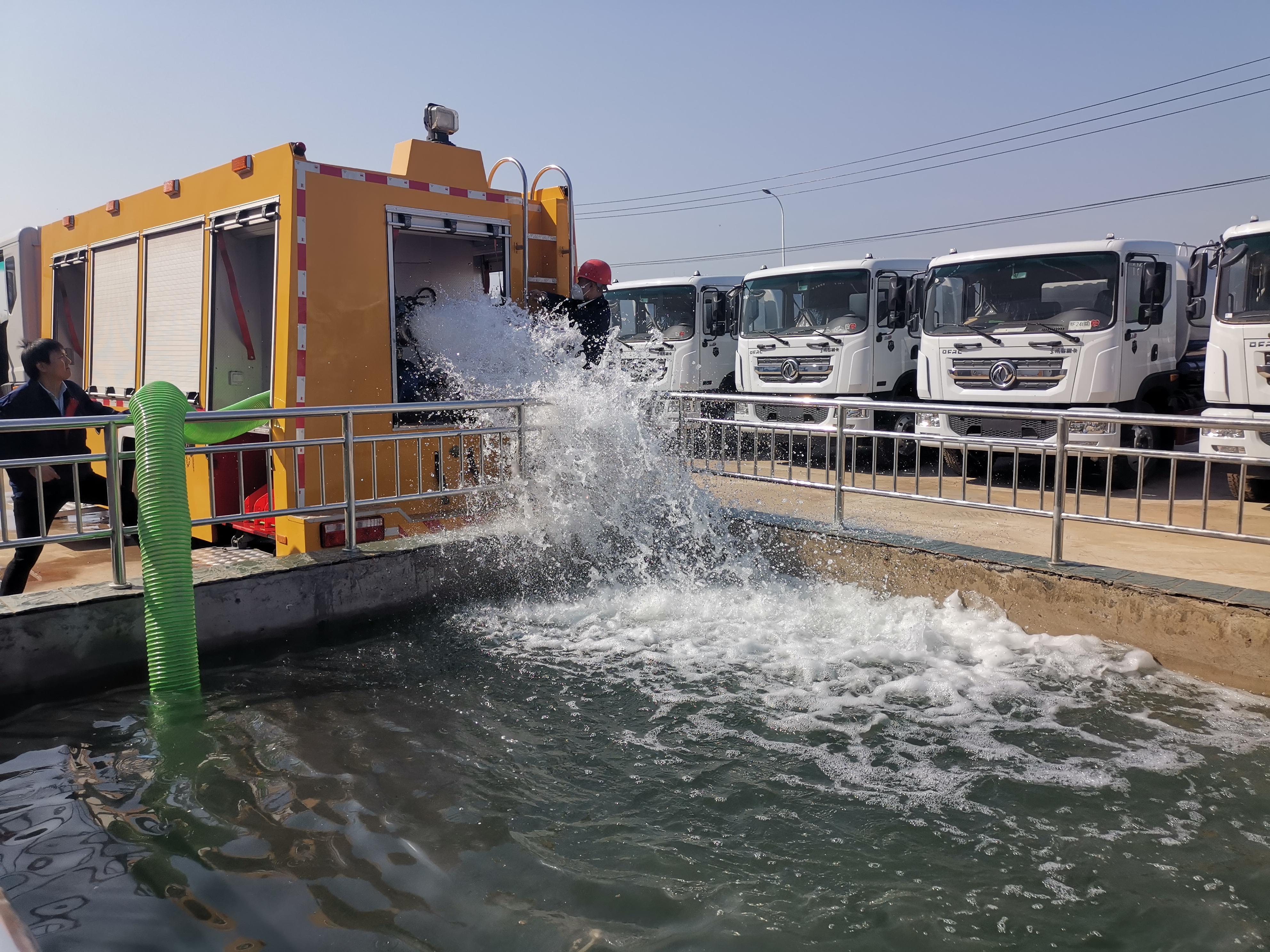 国六大流量排水抢险救援车视频