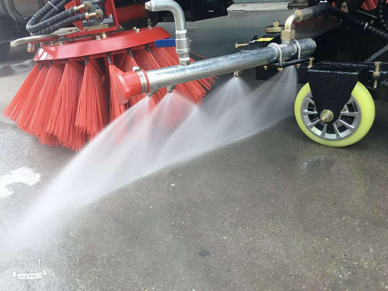 国六16方东风天锦洗扫车工作视频视频