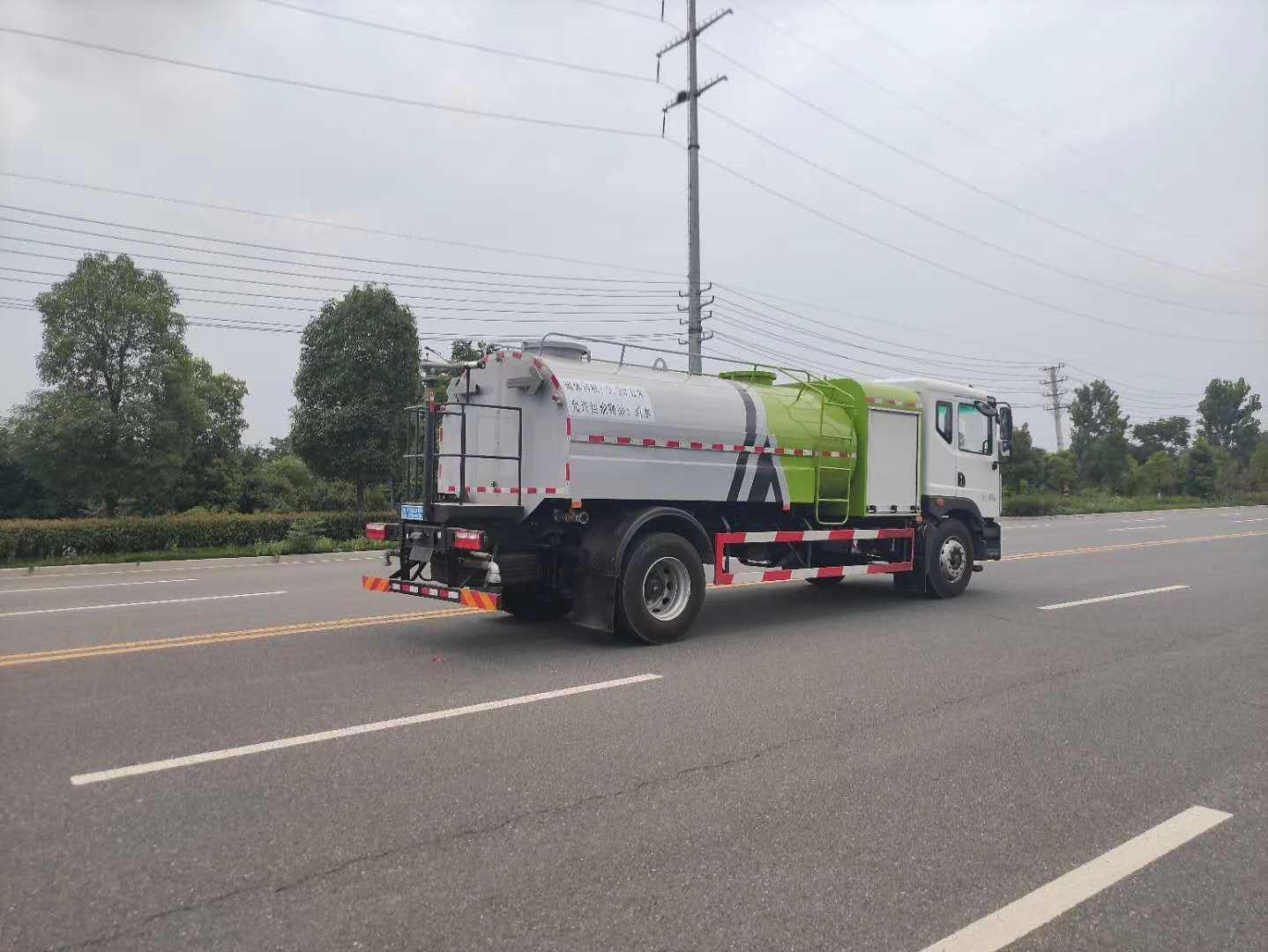 新能源洒水车(10吨)图片