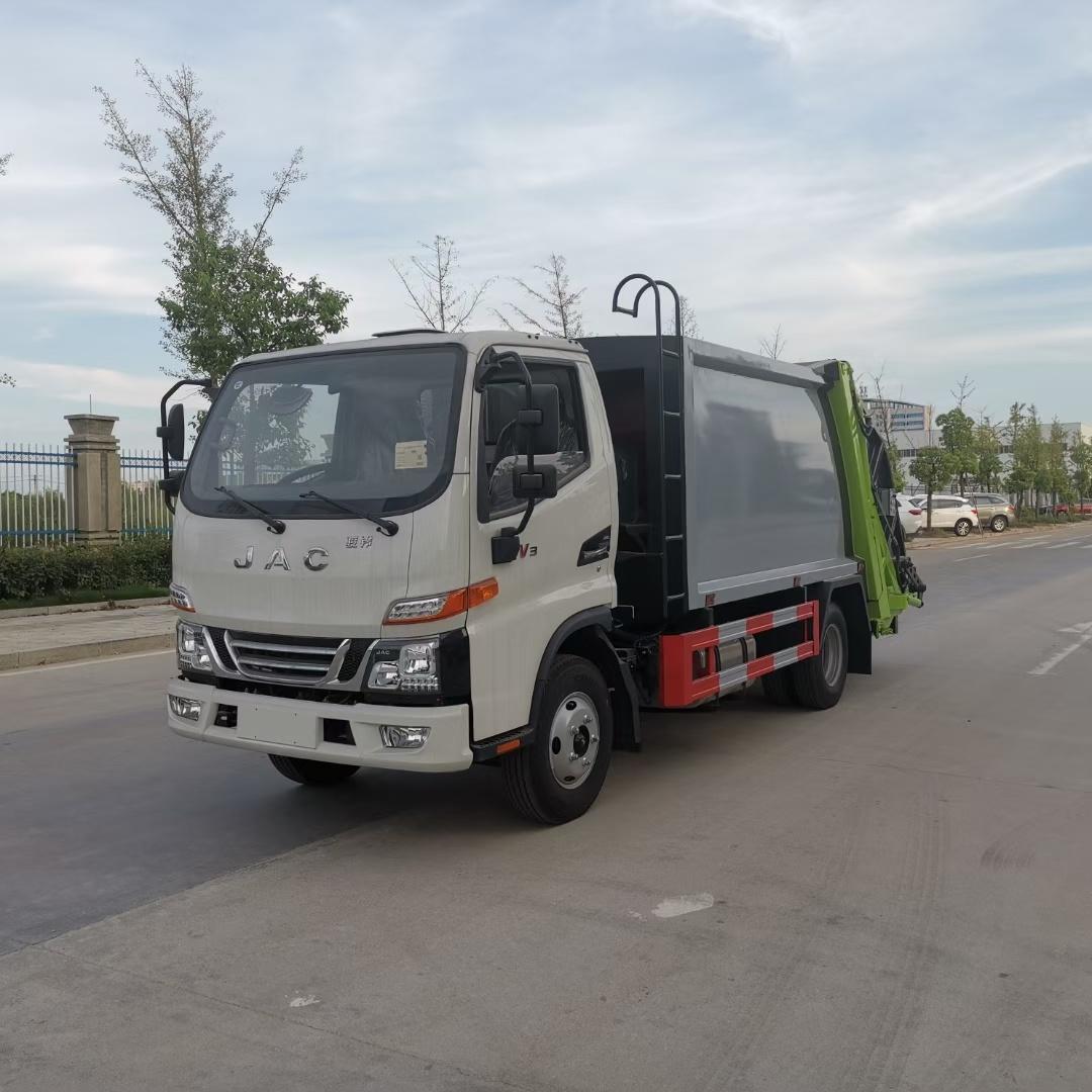 江淮駿鈴6方壓縮式垃圾車