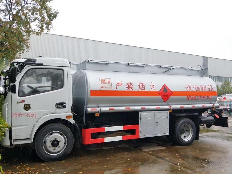 8吨油罐车厂家推荐东风多利卡9.7方加油车参数报价 视频视频