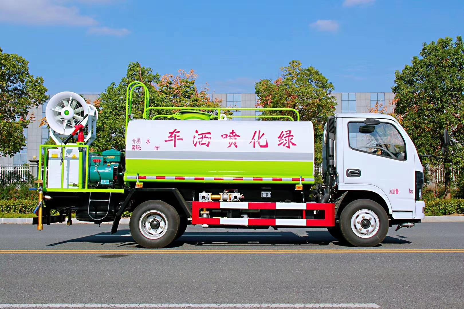 东风多利卡国六洒水车图片