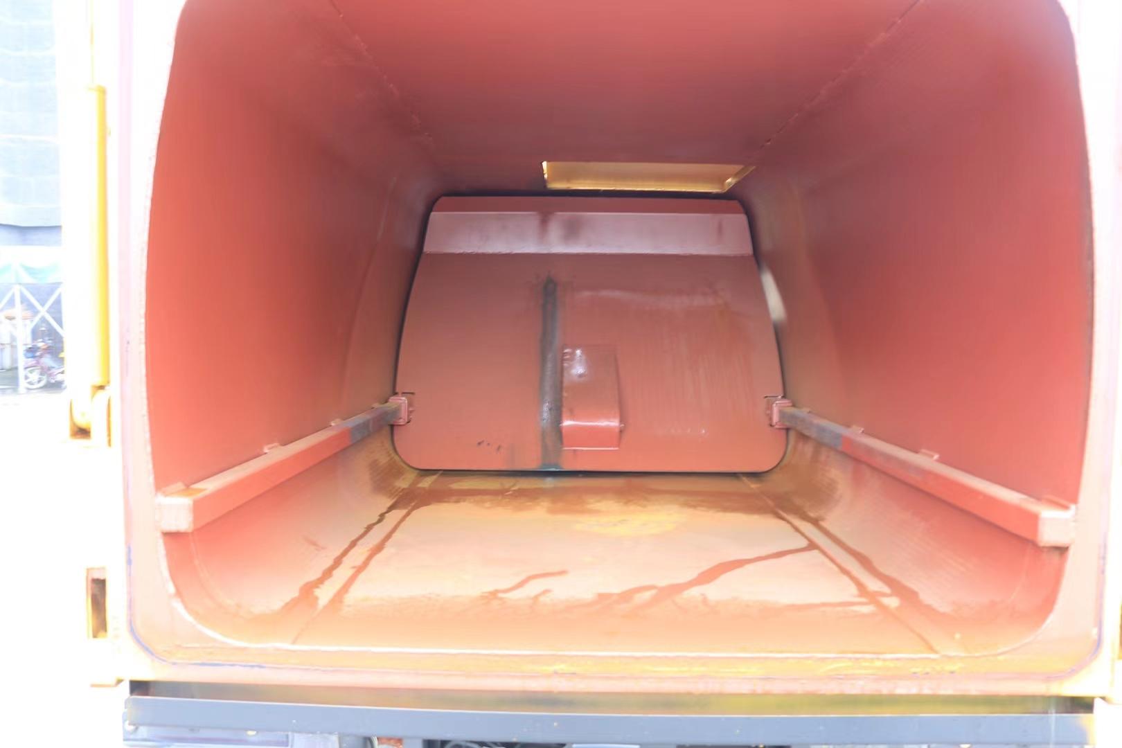 凱馬自裝卸式垃圾車圖片